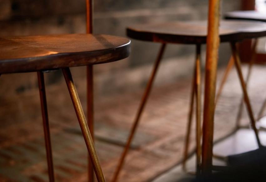 Aplicaciones de la barra de bronce en decoración de interiores